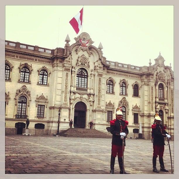 @allantd Allan Tito just checked in @ Palacio de Gobierno (Cercado de Lima, Peru)