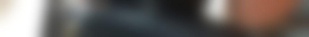 Large background photo of 2Q Nails