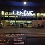 Лайфхак! В зале прилёта есть автомат, выдающий бесплатные билетики на поезд до Женевы! А ещё при регистрации на сайте дают бесплатный вайфай на полгода (продлить можно бесплатно).