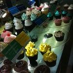 Photo taken at Goodovening Cupcake by Ariel T. on 8/22/2012