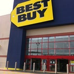 Photo taken at Best Buy by Allen A. on 1/11/2011