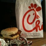 Photo taken at Chick-fil-A by L V. on 8/1/2012