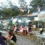 Photo taken at Padang Brown Food Court by Syazwan W. on 12/10/2011