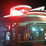 Photo taken at Red Robin Gourmet Burgers by Timothy S. on 5/30/2012