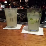 Photo taken at TGI Fridays by Bradley R. L. on 5/31/2013