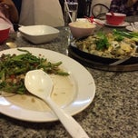Photo taken at ทวีชัยโภชนา (Thaveechai Restaurant) by Voravit P. on 2/28/2015