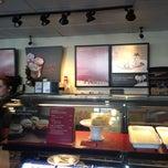 Photo taken at Starbucks by Yxes 💋 ☕. on 11/21/2012