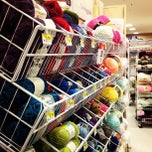Photo taken at Jo-Ann Fabric and Craft by Siighko on 10/16/2012