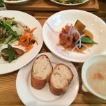 Photo taken at Midorie Cafe by Suda K. on 6/24/2014