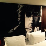 Foto tomada en Celebrities Suites & Apartments por Kutsal K. el 10/29/2014