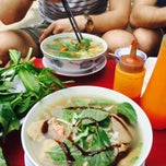 Photo taken at Phở Hồng by francesca on 2/19/2015
