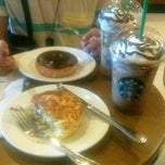 Photo taken at Starbucks Coffee by Errieca C. on 3/14/2013