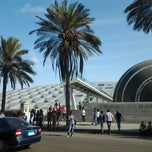 Photo taken at Bibliotheca Alexandrina | مكتبة الإسكندرية‎ by Xai X. on 10/18/2012