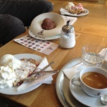 Photo taken at Dulce Ice Cream Chocolate Coffee by Magda K. on 5/12/2013