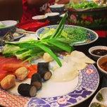 Photo taken at MK Restaurant (ภัตตาคารเอ็มเค) by Toto W. on 1/25/2013