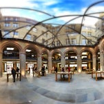 Photo taken at Apple Store, Covent Garden by Masumi M. on 12/5/2012