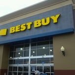 Photo taken at Best Buy by Rachel G. on 10/25/2012