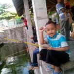 Photo taken at Pemancingan & Resto Jowo Deles by **khasanah r. on 8/1/2014