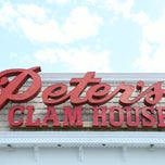 Photo taken at Peter's Clam Bar & Seafood Restaurant by Dover Group on 5/7/2015