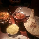 Photo taken at Dal (달) Taste of India by Jihee K. on 3/16/2013