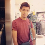 Photo taken at Dorothy Perkins by Izan J. on 9/3/2013