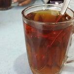 Photo taken at Restoran Singgah Sokmo by Aja M. on 5/21/2014