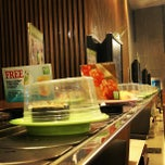 Photo taken at Sakae Sushi by Leon T. on 5/1/2013