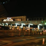 Photo taken at 서울톨게이트 (Seoul TG) by 동네형유노오빠 on 12/30/2012