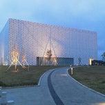 Photo taken at 金沢海みらい図書館 by ナイトホーク へ(ё)へ f. on 5/6/2013