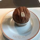 Photo taken at Café Richelieu – Angelina by Dick H. on 5/4/2015