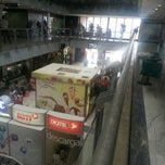 Photo taken at Centro Comercial Oasis Center by V@mpkiller on 3/22/2013