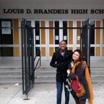 Das Foto wurde bei Brandeis High School von Jorge am 4/1/2015 aufgenommen