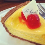 Photo taken at La Baguette (ลา บาเก๊ตต์) by mrstangsatitkiat on 11/3/2012