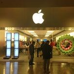 Photo taken at Apple Store, Bridgewater by Alex on 12/24/2012