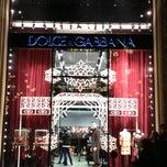 Das Foto wurde bei Dolce&Gabbana von Sergi J. am 12/1/2012 aufgenommen