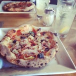 Photo taken at Tutta Bella Neapolitan Pizzeria by minniemon on 2/7/2013