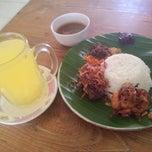 Photo taken at Nasi krawu bu timan by Rijal S. on 1/30/2014
