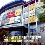 Photo taken at Apple Store BEC™ by Aris H. on 3/7/2014