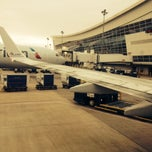 Photo taken at Dallas/Fort Worth International Airport (DFW) by Julio G. on 10/5/2013
