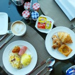 Photo taken at Executive Lounge by Thanis L. on 5/31/2015