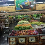 Photo taken at Sprouts Farmers Market by Julian G. on 1/9/2013