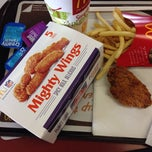 Photo taken at McDonald's by Raphael S. on 9/30/2013