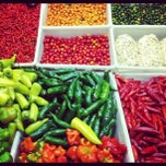 Photo taken at Mercado do Rio Vermelho - Ceasa by Ailton S. on 9/22/2012