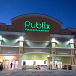 Photo taken at Publix by Steven Z. on 2/17/2013