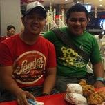 Photo taken at KFC by Ilho S. on 12/13/2014