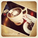Photo taken at Dixie Easy Dining by Wulan B. on 9/27/2012