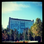 Photo taken at Microsoft Beijing West Campus 微软亚太研发集团总部 by Julien G. on 11/19/2012