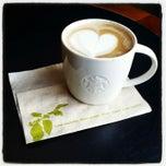 Photo taken at Starbucks Coffee ひたち野うしく店 by SISIMARU I. on 12/10/2014