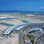 Photo taken at 인천국제공항 (Incheon International Airport - ICN) by Танита 김 영 옥 on 10/26/2013