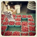 Photo taken at Fort Mason Farmers' Market by Cindy Z. on 7/22/2012